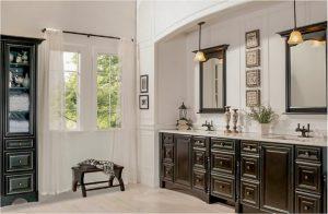bathroom-cabinets-in- Ellijay-ga-black-shiny-vanity